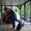 Ein Mann und sein Pet-Raccoon